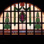 Rudolfstraße 13, Treppenhausfenster mit Bleiverglasung